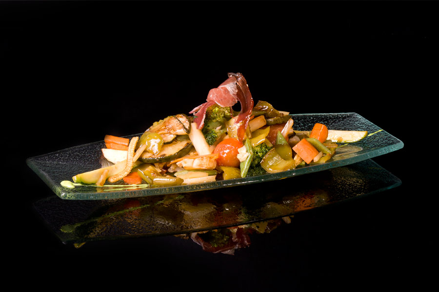 Wok fried vegetables with Joselito cured ham