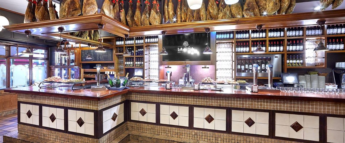 La barra del Bar de La Viña del Ensanche